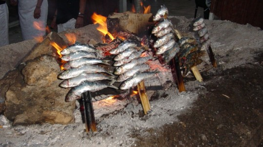 Espetos de sardina en Neptuno